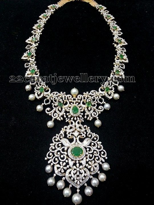 Jewellery Designs: Medium Size Rich Diamond Set