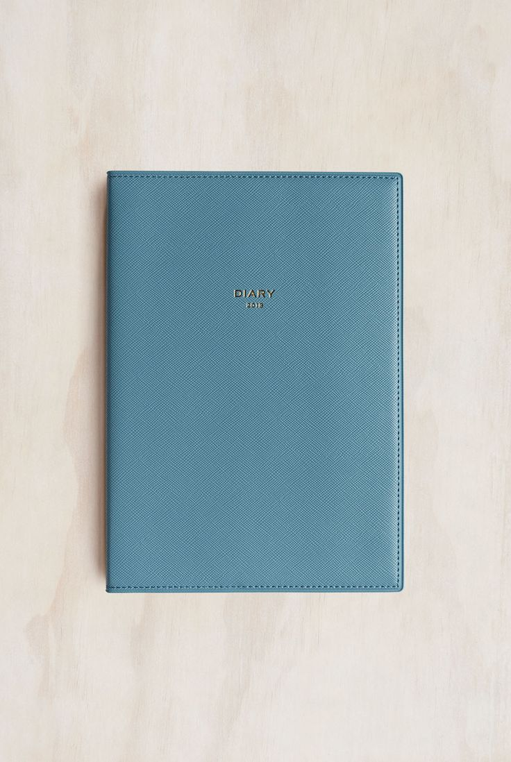 Buy Delfonics - 2018 Quitterie Diary Notebook - Weekly - A5 (15.3x21.7cm) - Refillable - Blue Grey - Milligram Stationery. milligram.com