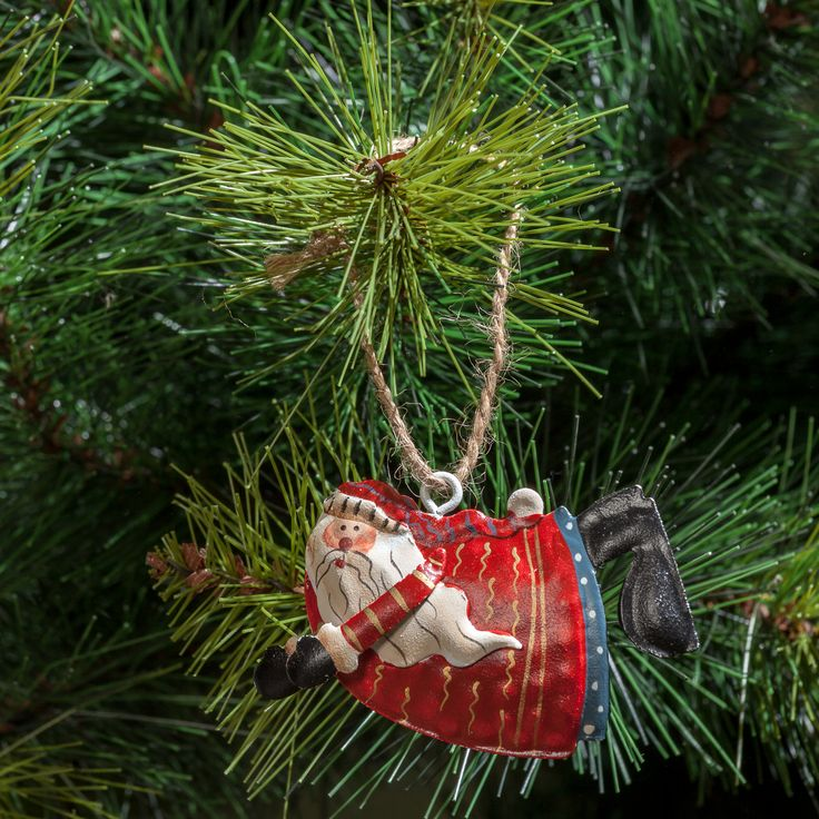 Christmas Time! Mistletoe & Wine. Get ready to decorate your soul with christmas lights!