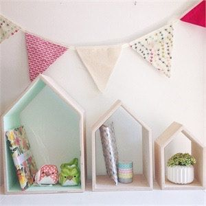 House shaped shelf.    Small Medium & Large Houses. ---- package Deal 10%…