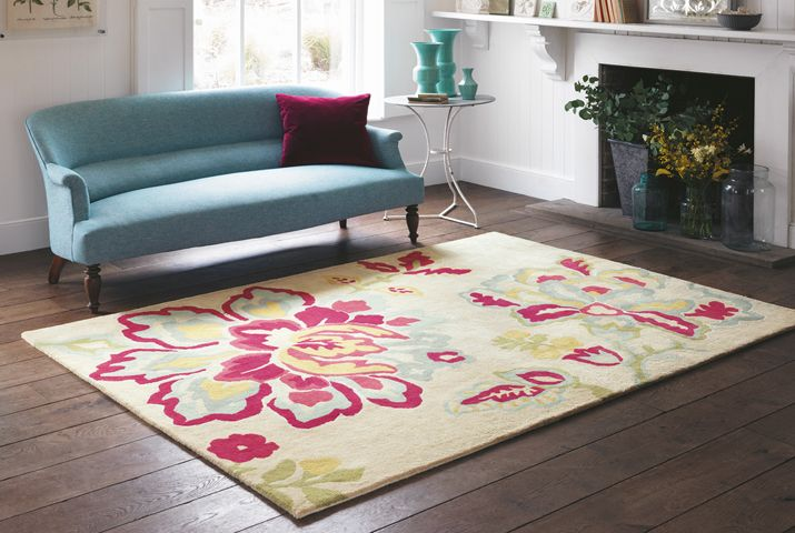 Sanderson - Traditional to contemporary, high quality designer fabrics and wallpapers | Home Accessories - Sanderson has a wide range of rugs, towels, bedlinen and home fragrances | British/UK Fabric and Wallpapers | Rugs