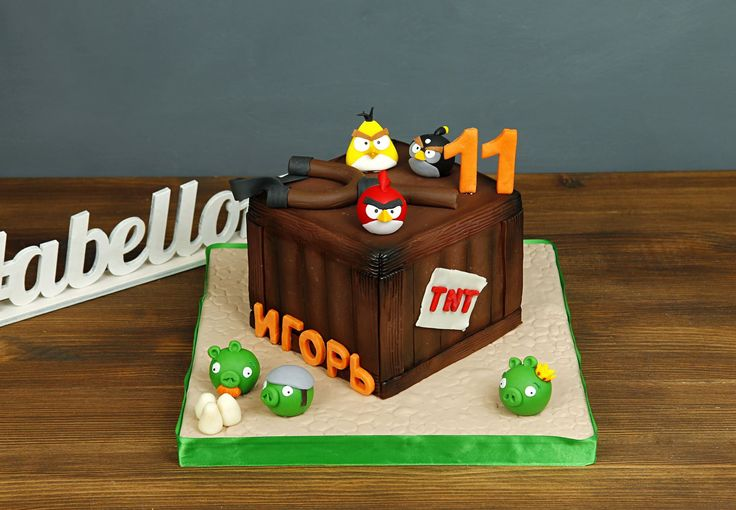"""Детский торт """"Злые птицы""""  Популярность злых птичек всё растет, особенно, после выхода одноименного мультфильма, который покорил не только детей, но и взрослых☺️ А наша команда готова создавать для Вас самые интересные и оригинальные торты по мотивам любимых мультфильмов и игр😉  Изготовление тортика возможно от 2-х кг всего за 2350₽/кг. В стоимость торта включено изготовление двух любых фигурок героев, #фигуркинаторт на торт каждого последующего героя 500₽.  Специалисты #Абелло готовы…"""