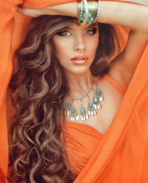 Dalgalı Fönlü Saç Modelleri
