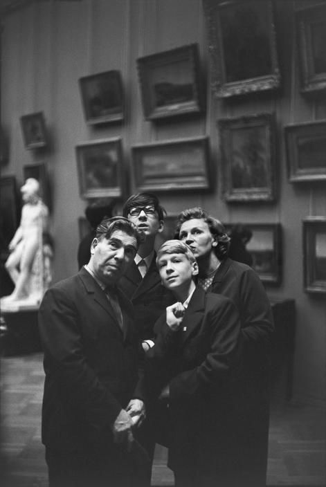 Henri Cartier-Bresson  USSR. Moscow. 1972. The Tretyakov Museum.