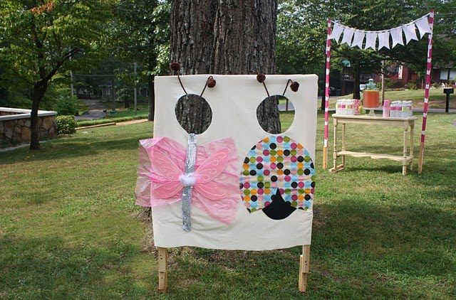 omg, perfect for end of year bugs and butterflies party: Bugs Birthday, Kids Parties, Bugs Parties, Party'S, Birthday Parties, 1St Birthday, Photo Booths, Parties Ideas, Birthday Ideas