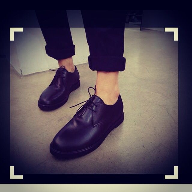 #flat #derby #shoes ... ❤️ #goodmorning #pfw  #shoeslover  #bag  #black #pic  #picoftheday  #potd  #ootd  #outfitoftheday  #outfit  #madeinitaly #top  #topshoes  #musthave  #must  #music  #shopping  #details  #focus #pose  #shoeporn  #shoeslover  #shoesoftheday #love  ❤️ www.facebook.com/wannamariafiori ❤️