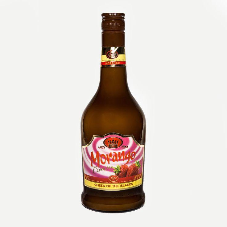 """Licor de Morango """"Queen of the Islands""""  O licor de morango """"Queen of the Islands"""" é produzido a partir de morangos frescos e do famoso leite açoriano, segundo processos artesanais e tradicionais.   Disponível em: www.madeinazores.eu"""