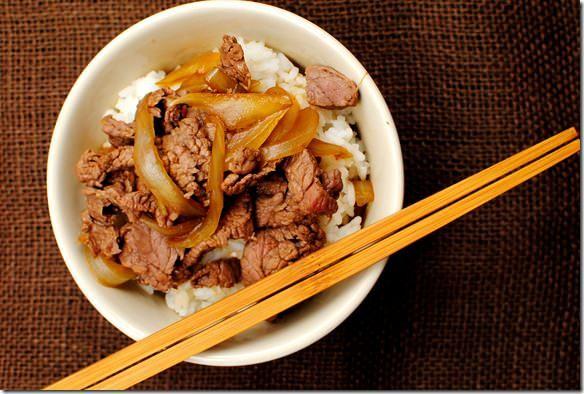 Copycat Yoshinoya Beef Bowls taste just like the popular fast food beef bowl recipe from Japan! #glutenfree | iowagirleats.com