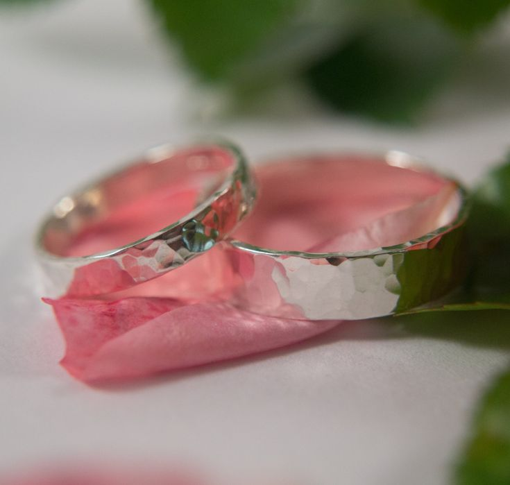 Lots of new options for 18ct and 14ct gold  in me #etsy shop now, all my rings are available in red yellow or white gold! in 9ct 14ct or 18ct your choice! http://etsy.me/2FkT9i6 #jewellery #ring #white #whitegold ecogold #weddingbands #mensweddingring