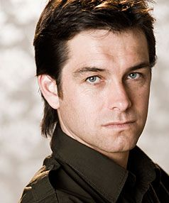 Antony Starr. Outrageous fortune