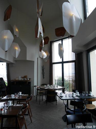 Brunch Au Restaurant Panoramique Du Terrass Hôtel, Vue Sur Paris Depuis Le  Rootop Http: