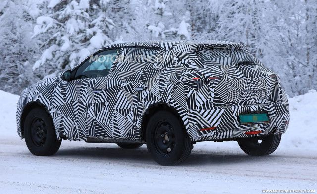 2019 ds 3 crossback spy shots the next vehicle to join the growing rh pinterest com