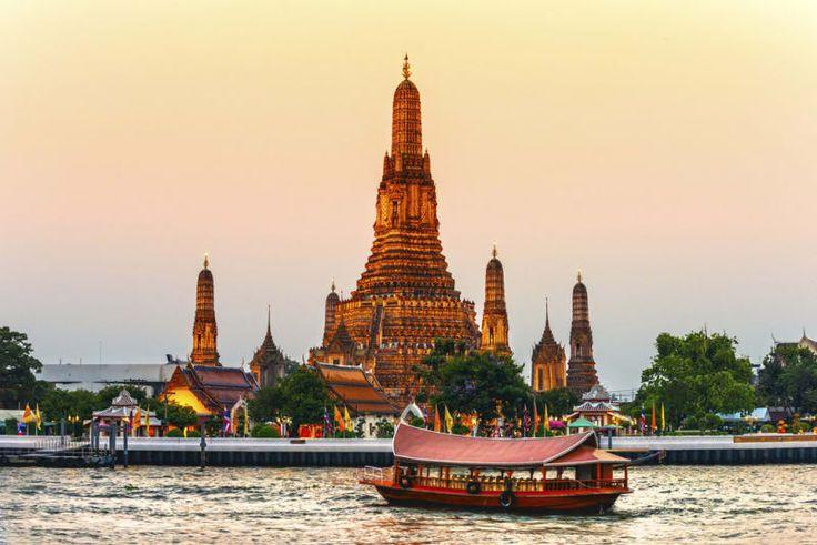 Auch wenn Thailand inzwischen von Touristen überrannt wird und nicht mehr so günstig wie andere Länder in Südostasien ist, bekommst Du hier immer noch sehr viel für Dein Geld. Hier siehst Du, wie teuer Urlaub hier meist wird. Zum Beispiel: Zimmer auf dem Land kosten gerade einmal 3 € (135 Baht).