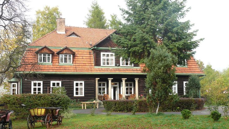 Dwór Bella Vita w Gdowie. Wybudowany przez rodzinę Feillów w XIX wieku. Obecnie mieści się w nim hotel.