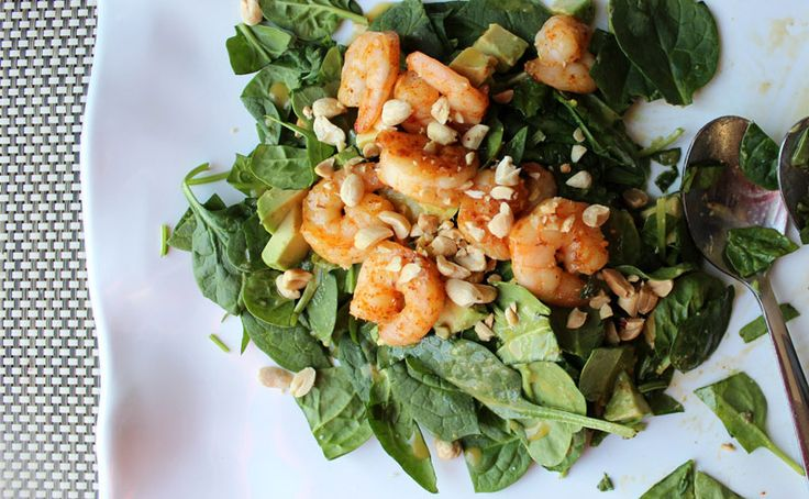 Salade de crevettes et d'avocat, vinaigrette au miso via blancgrenade.com