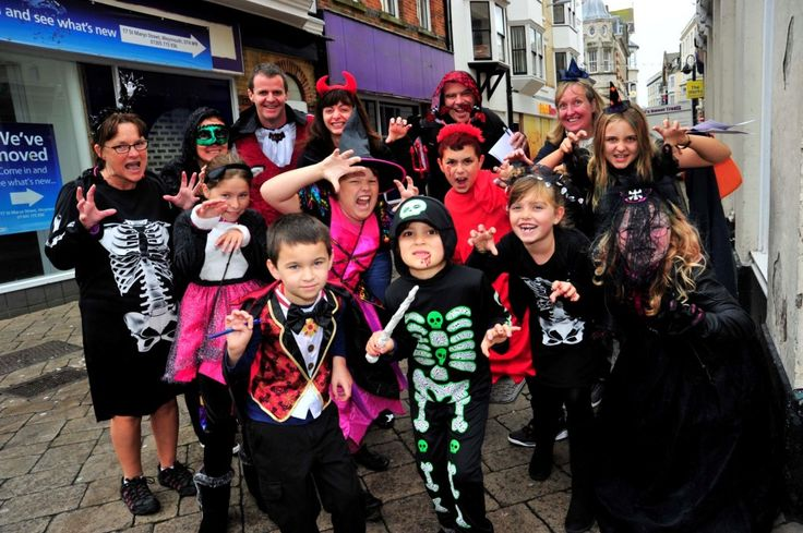 Freaky Friday in Weymouth town centre on 30th October 2015.   Scary family.  Picture: Graham Hunt.