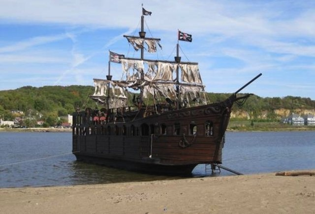 Pirate ship for sale-Finally own a sea-worthy pirate ship
