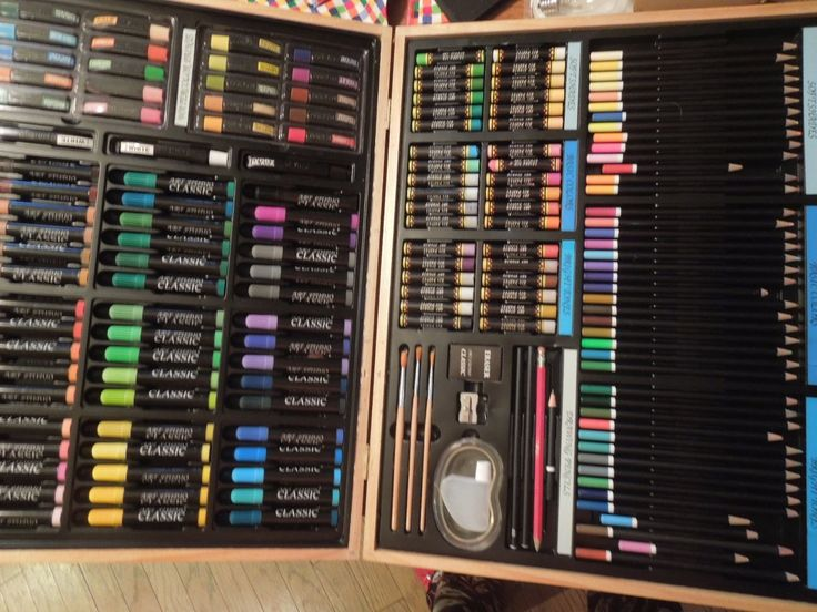 The Art Studio Paint Set