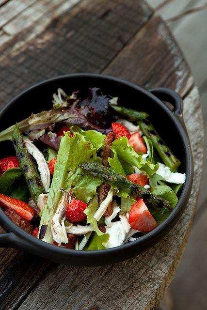 aardbei, kip, mozarella, asperges, salade - by photo-copy-ann
