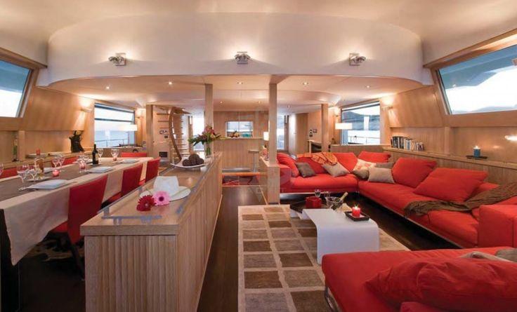 BRADLEY | CNL Yacht