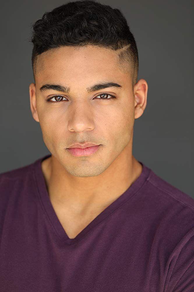 Actor EVANS tv American show, headshots | Behling MICHAEL