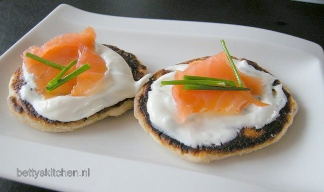 Recept: Blini's met gerookte zalm - Betty's Kitchen