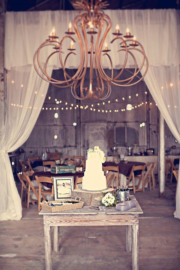 ..: Ideas, Vintage Wedding, Curtains, Cakes Tables, Vintage Wardrobe, Weddings, Barns Receptions, Barns Wedding, Vintage Style