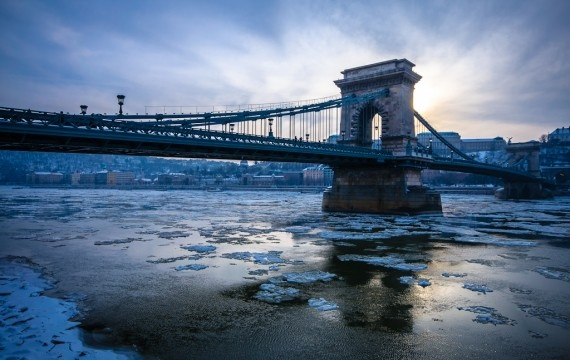 I've been over and under Lánchíd (Széchenyi Chain Bridge) in Budapest many times but have never seen it in this light before. I also appreciate the low angle, getting nice and low to the floating ice.