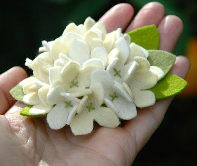 how to make felt flowers | ... dawn designs: How to Make A Felt Hydrangea Flower Pin or Hair Clip