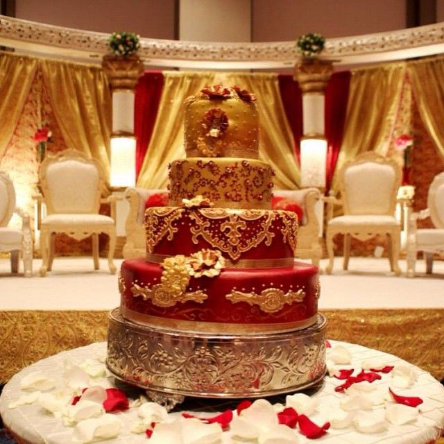 Love This Beautiful Indian Wedding Cake Gold And Red