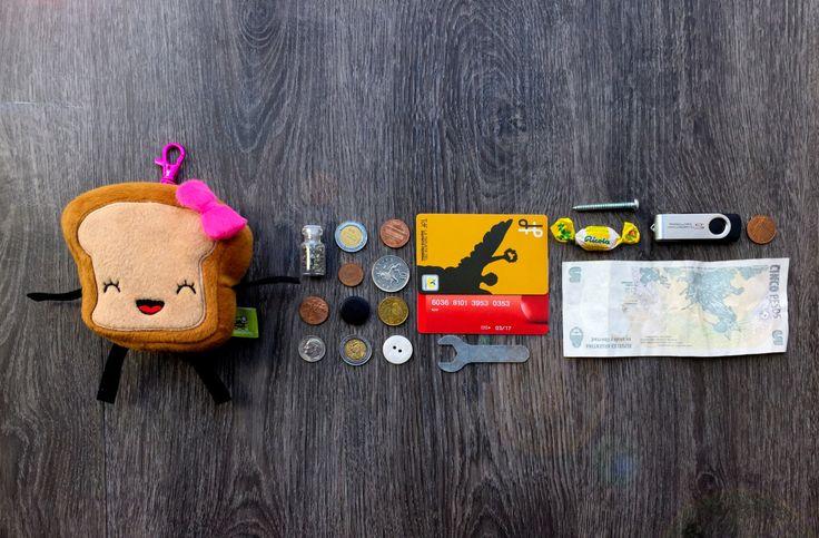 Coin Purse Mrs. Little Bread Slice FREE SHIPPING First Week!!! de ChampuChinito en Etsy https://www.etsy.com/es/listing/251625198/coin-purse-mrs-little-bread-slice-free