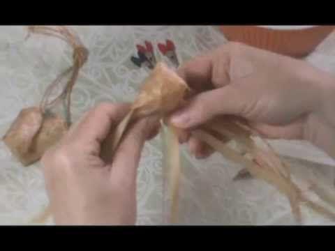 Как плести сувенирные лапти - YouTube