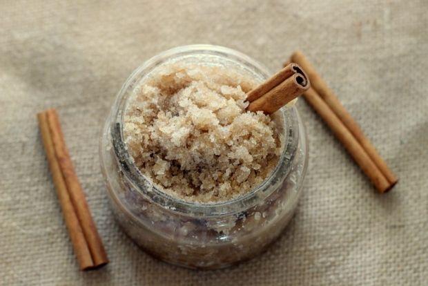 Cinnamon Sugar Scrub | 10 DIY Body Scrubs Made for Summer | http://www.hercampus.com/beauty/10-diy-body-scrubs-made-summer