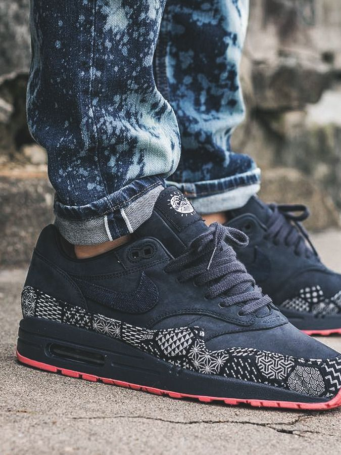 Nike ID Air Max 1 Indigo Denim (by kevykev) More sneakers on Sweetsoles