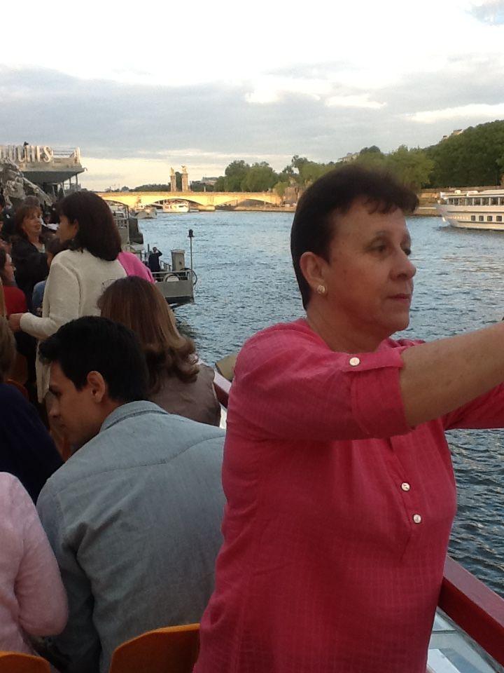 Navegando sobre el rio Sena, también fue una excelente experiencia