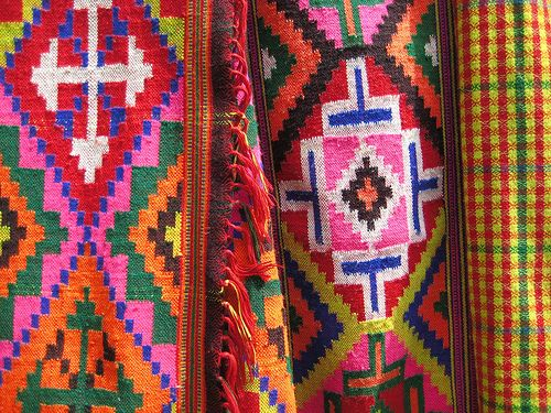 Kulu ShawlsKullu is famous place for pure woolen Kullu SHAWLS. A stop over before Manali with many options to move around valley. Bhuntar airport is just 10 Kilometers from Kullu,
