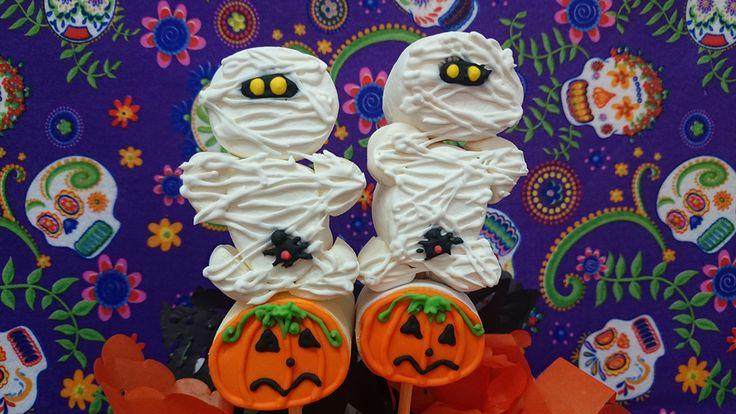 Bombón (malvavisco) decorado con royal icing  Momia - Giant Marshmallow decorated with royal icing halloween mommy