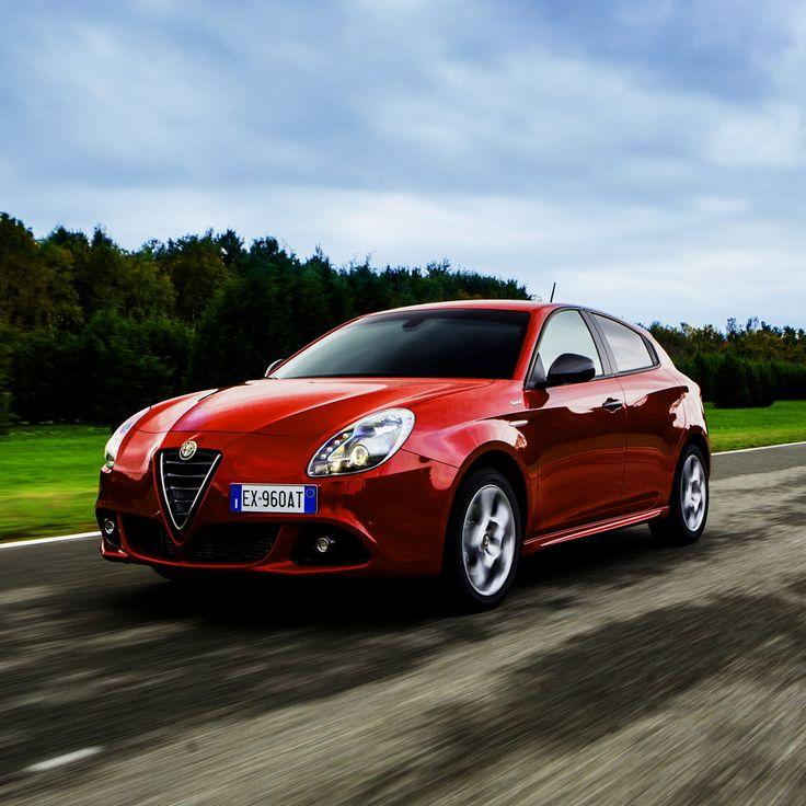 Alfa Romeo #Giulietta, doskonałe połączenie elegancji, mocy i funkcjonalności.