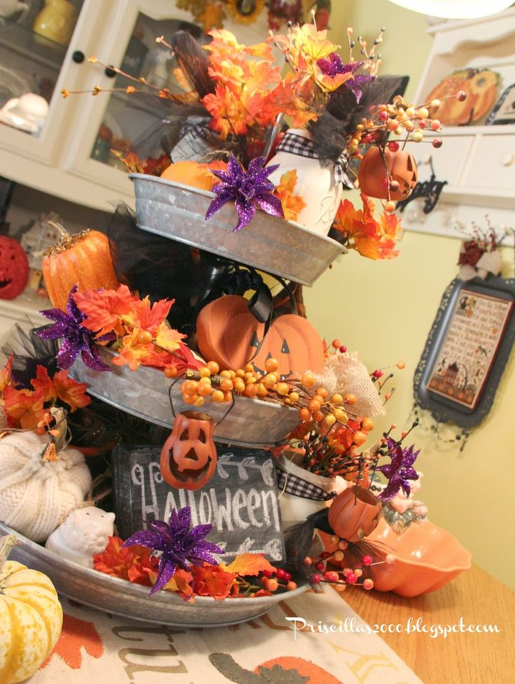 the tiered tray on my kitchen table has been redone for halloween i got this tray at sams club this spring and have l
