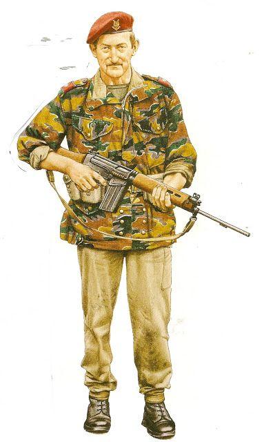 MINIATURAS MILITARES POR ALFONS CÀNOVAS: UNIFORMES MILITARES MODERNOS, (Nº 1 ),EUROPA 1946-1985 por CHRIS McNAB, , fuente = Biblioteca Militar de BARCELONA.
