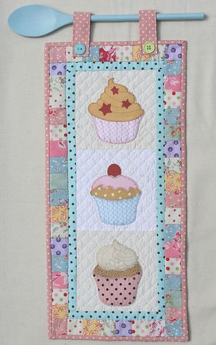 Like the use of the wooden spoon. Great idea for mini quilts