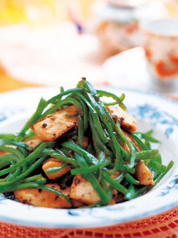 黒こしょうとオイスターソースで味付け。解毒作用のあるピーマンをたっぷり食べよう|『ELLE gourmet(エル・グルメ)』はおしゃれで簡単なレシピが満載!