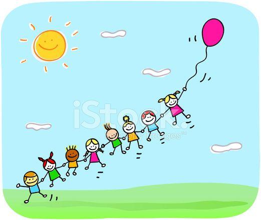 niños felices jugando con el balón en dibujos animados de primavera, verano