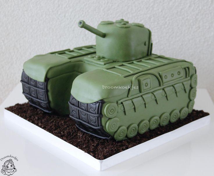 Leger tank birthday cake/ leger voertuig verjaardags taart door Droomkoekjes