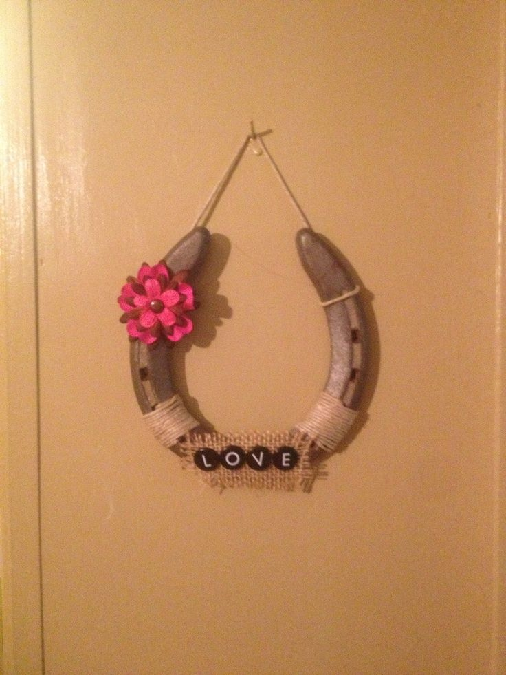 20 best horseshoe crafts images on pinterest horseshoe for Shoe sculpture ideas