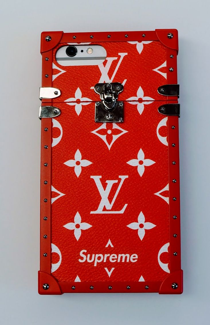 Louis Vuitton X Supreme Fall 2017 Menswear Collection pics