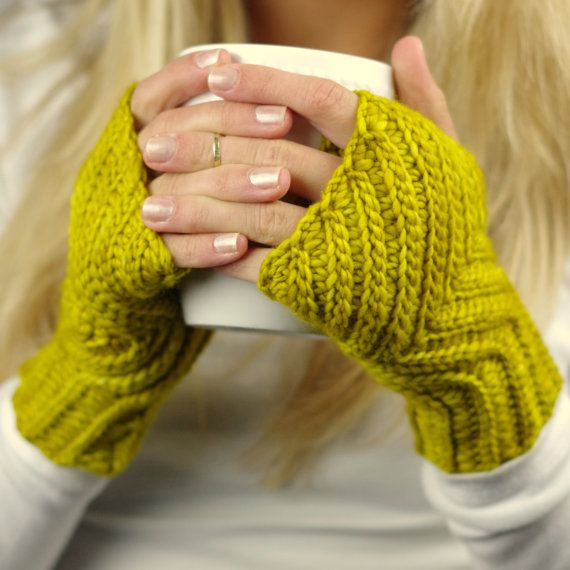 Fingerless Gloves Knitting Pattern For Toddlers : 448 best images about Crochet gloves and wrist warmers on ...