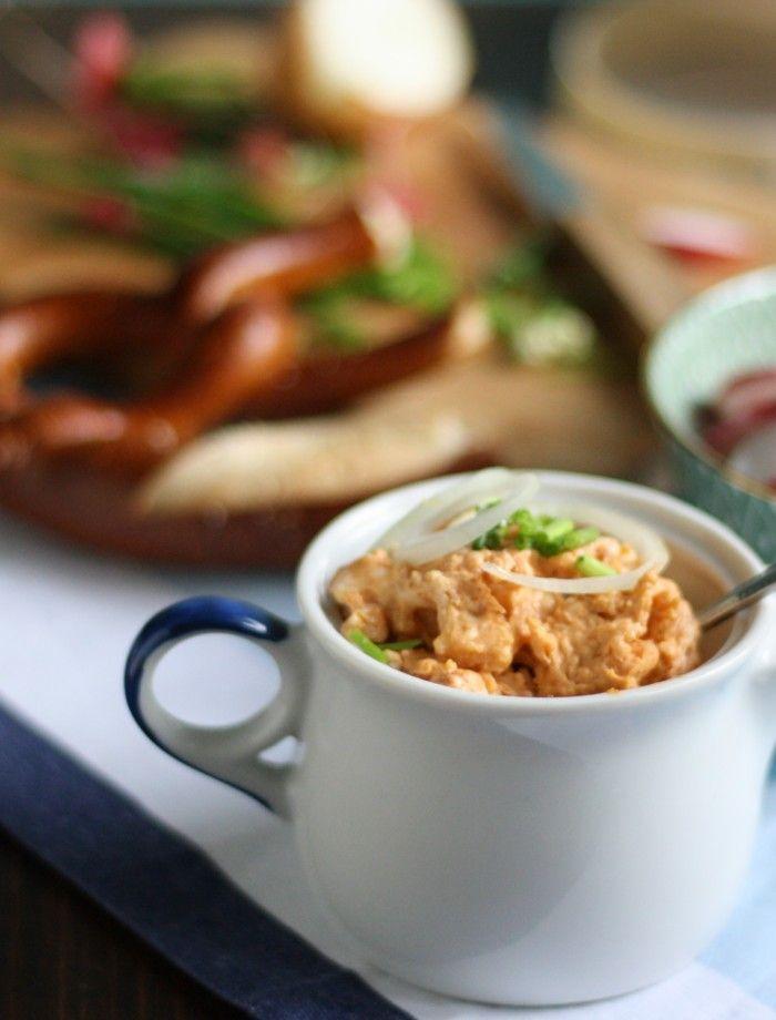 Kürbisrezepte kann man nie genug haben. Selbstgemachte Schupfnudeln kann man auch mit Kartoffeln und Kürbis zubereiten. Eine leckere Schupfnudelvariante.