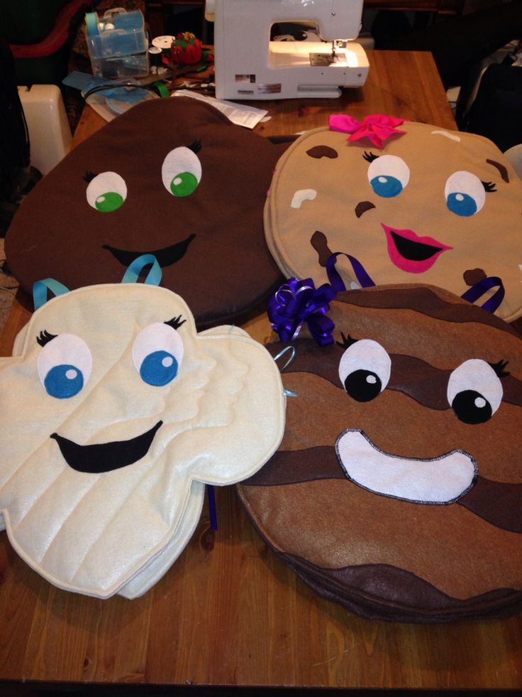 Girl Scout cookie costumes - Thin Mint, Rah Rah Raisin, Trefoil and Samoa not pictured Tagalong made of felt and batting.