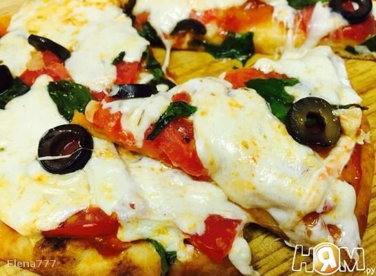 Пицца Маргарита на лепёшке наан